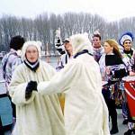 kleines Schiff: tanzende Eisbärchen, Ursel Boesner